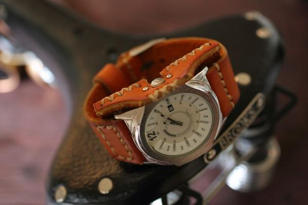 Часы кварцевые «Aviator»
