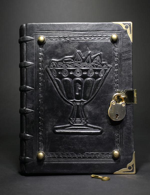 Магическая книга «Гримуар»