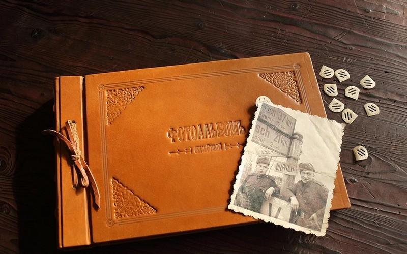 Семейный (родовой) кожаный фотоальбом