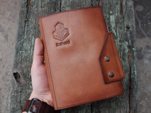 Кожаный ежедневник-органайзер с логотипом компании