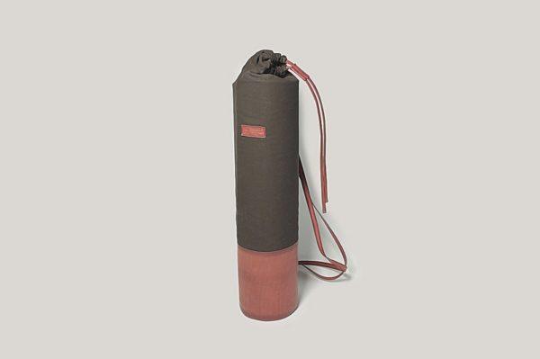Кожаная сумка-чехол Yoga.