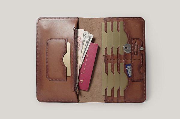 Кожаный кошелек-клатч «Biga»