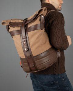 Рюкзак Plane-Tex бежевый с коричневой кожей.