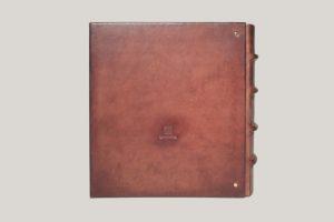Кожаный альбом с латунными уголками для денег. В шубере.